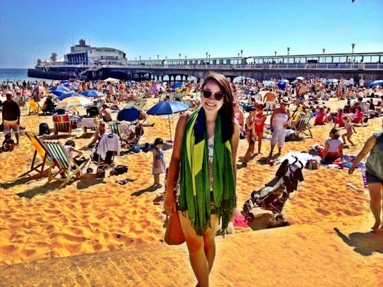 Isso é o verão europeu... muitos londrinos vão para Bournemouth para curtir o solzinho em uma das melhores praias da Inglaterra! Quem não chegar cedo no fim de semana, é capaz até de demorar para achar algum lugar...