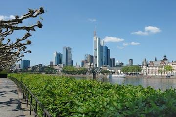 Frankfurt | Tour pelo Rio Reno