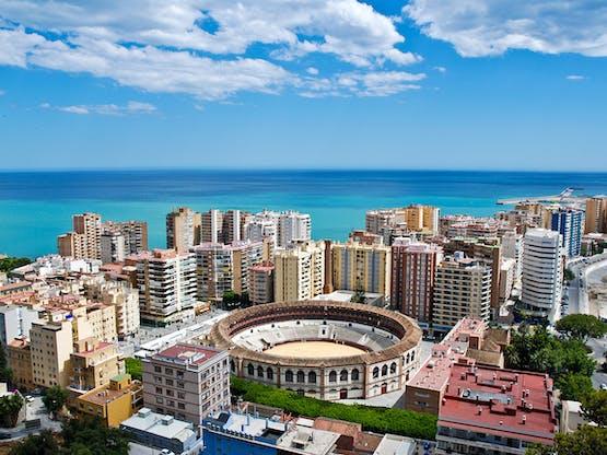 Málaga e Plaza de Toros (local onde acontecem as touradas), Espanha