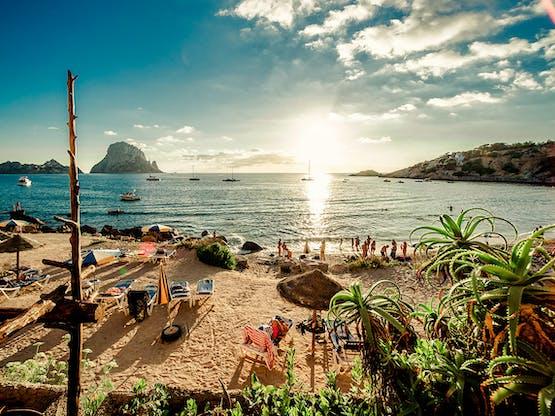 Praia Cala d'Hort, Ibiza. Espanha