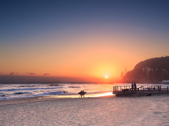 Surfistas em Burleigh Heads, Gold Coast