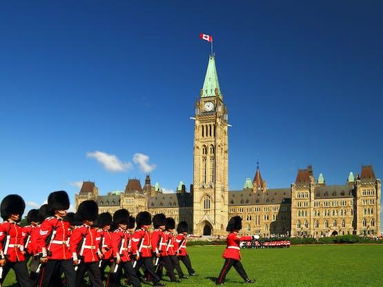 Cerimônia da Troca da Guarda no Parlamento do Canadá