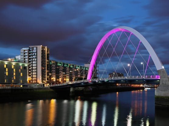 Ponte Clyde arc bridge. Glasgow, Escócia