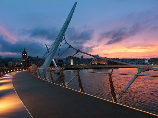 The Peace Bridge, Derry. Irlanda do Norte