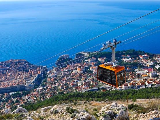 Teleférico descendo para Dubrovnik