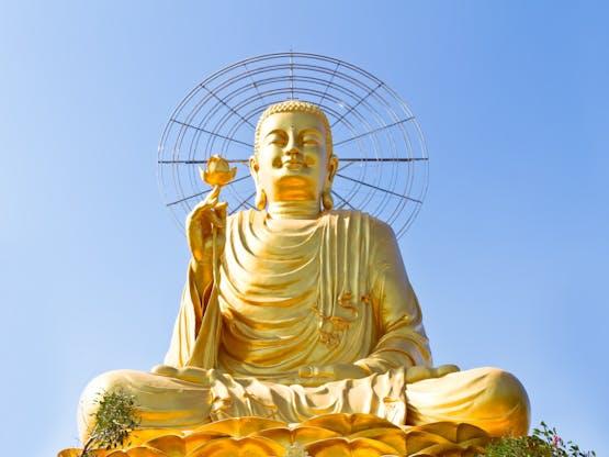 Buddha sentado gigante em Dalat, Vietnã