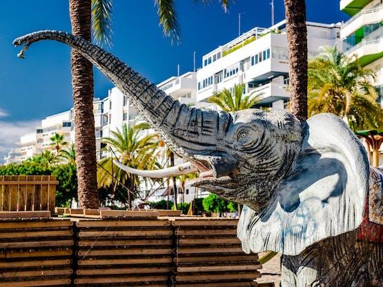 Ducha na praia de Marbella, Espanha