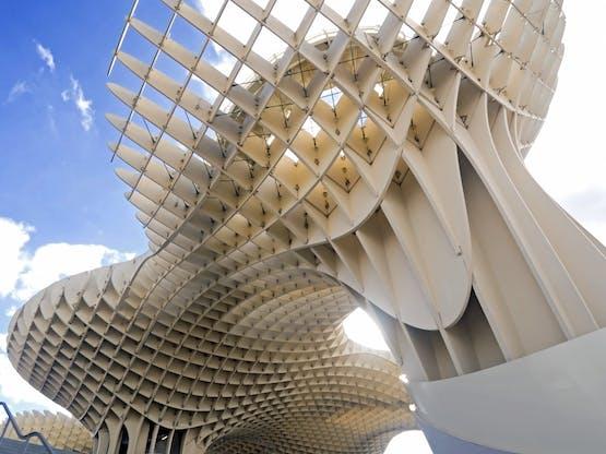 Metropol Parasol, construção de madeira na praça La Encarnación. Sevilha, Espanha