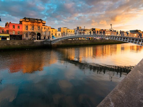 Ha'penny Bridge. Dublin, Irlanda