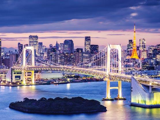 Baía de Tóquio e a Ponte Rainbow. Tóquio, Japão