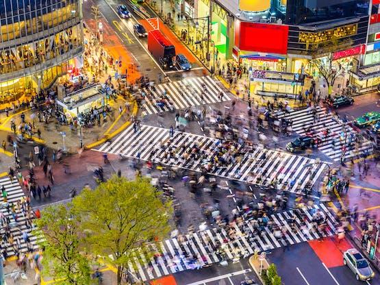 O famoso cruzamento de Shibuya, o mais lotado do mundo. Tóquio, Japão