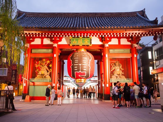 Intercâmbio Japão - Rua em Asakusa, ligada ao templo Senso-ji. Tóquio, Japão