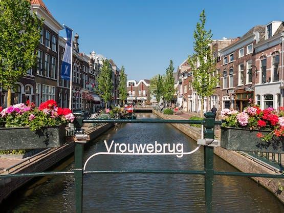 Canal Turfmarkt. Gouda, Holanda