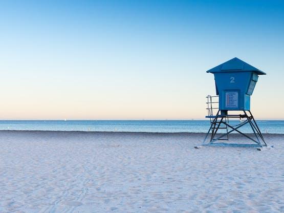 Praia em Santa Bárbara, EUA