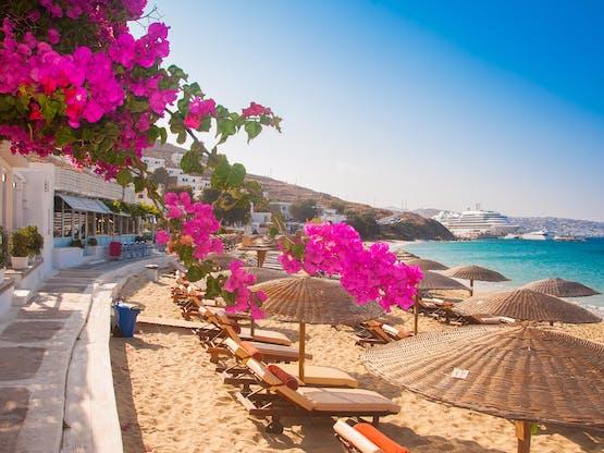 Praia em Mykonos, Grécia
