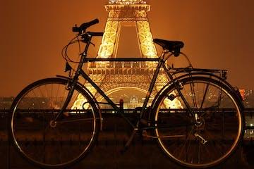 Paris :: Passeio de Bike à Noite e Cruzeiro